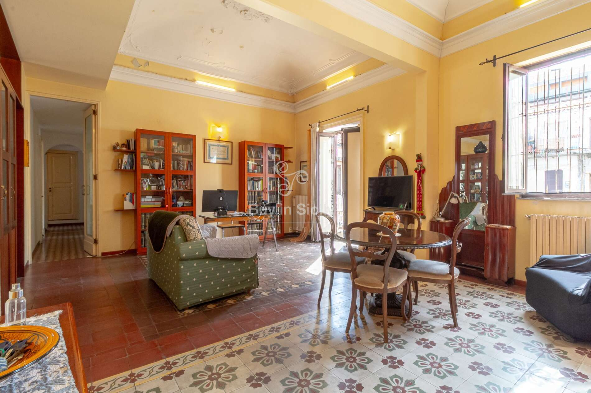 Historic apartment a few steps from Catania station